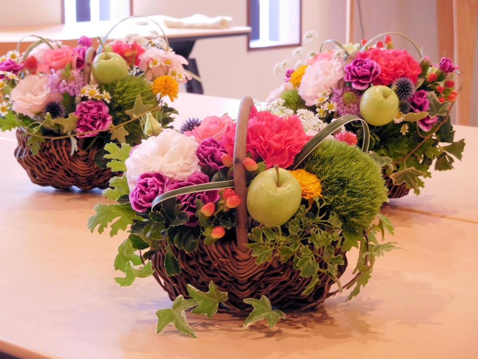 上越市の家族葬:フラワーアレンジメント